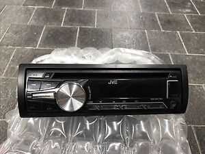 JVC CD/WMA/MP3/USB car radio w/ iphone control