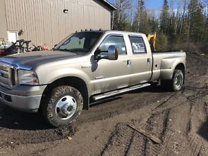 Ford F-350 Dually Lariat