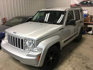 2010 Jeep Liberty 4x4,  One owner, Clean CarProof, Non smoking