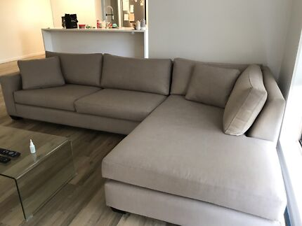 3.5 seater couch with chaise L shape
