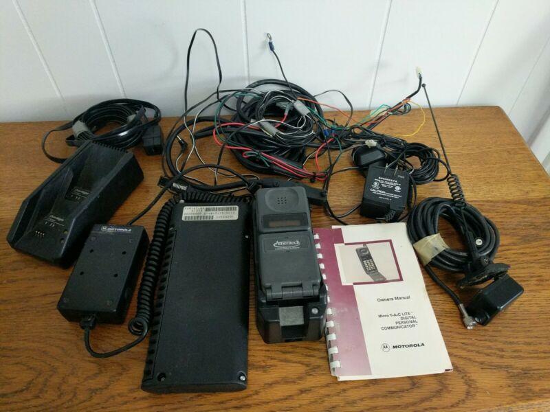 Vintage MOTOROLA MICROTAC  LITE Phone.  Charger, & Car Adapter Accessories