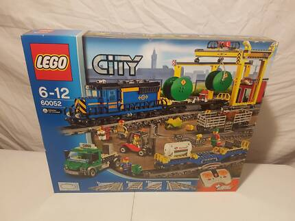 60022 Lego City Cargo Airport With Green Plane Vgc Toys Indoor