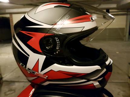 Ls2 helmet medium