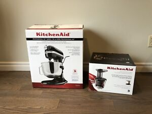 Brand new kitchenAid stand mixer professional HD w/ juicer