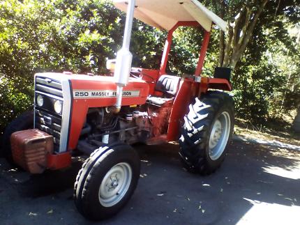 Massey Ferguson 250 tractor
