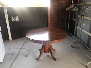 Dining table Rubberwood