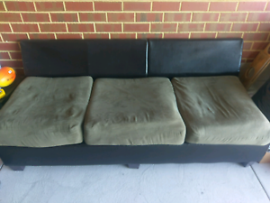 Free couch Balga Stirling Area Preview