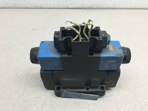 USED VICKERS 120 VAC COIL DIRECTIONAL CONTROL VALVE 02-127392