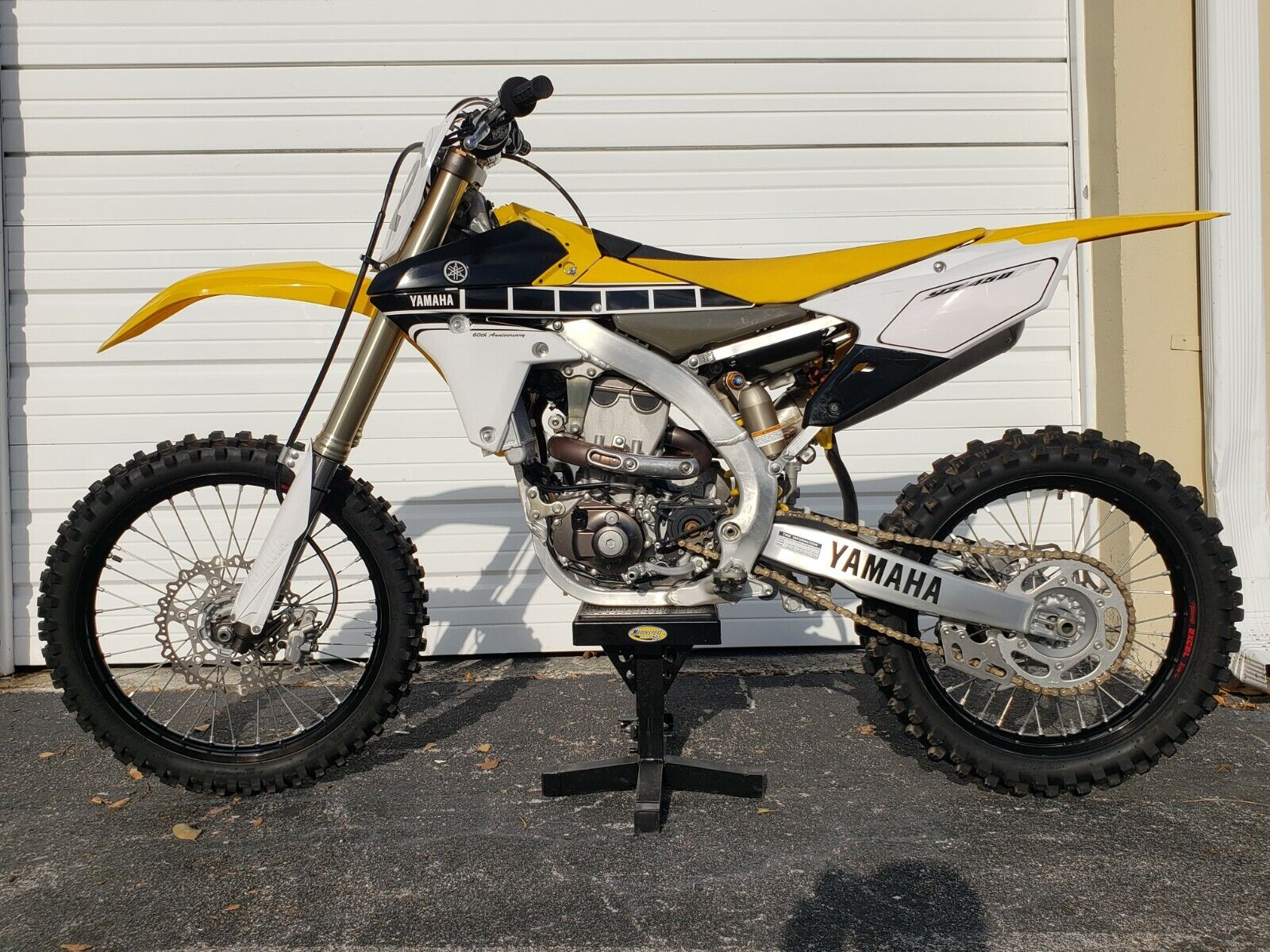Picture of A 2016 Yamaha YZ 450