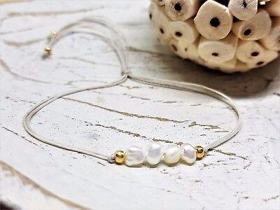 nes Armband mit Süßwasserperlen und goldenen Perlen (Armbänder Mit Perlen)