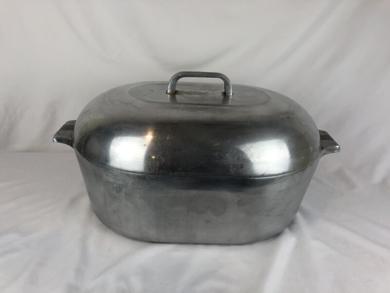 """16"""" LARGE VTG WAGNER WARE MAGNALITE 4267-P COVERED ROASTER DUTCH OVEN W/ Insert"""