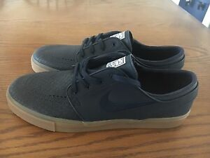 Brand new janoski low size 11