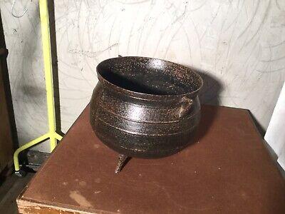 VINTAGE CAST IRON COOKING POT ANTIQUE CAULDRON PLANTER METAL JUG KETTLE FEET PIT