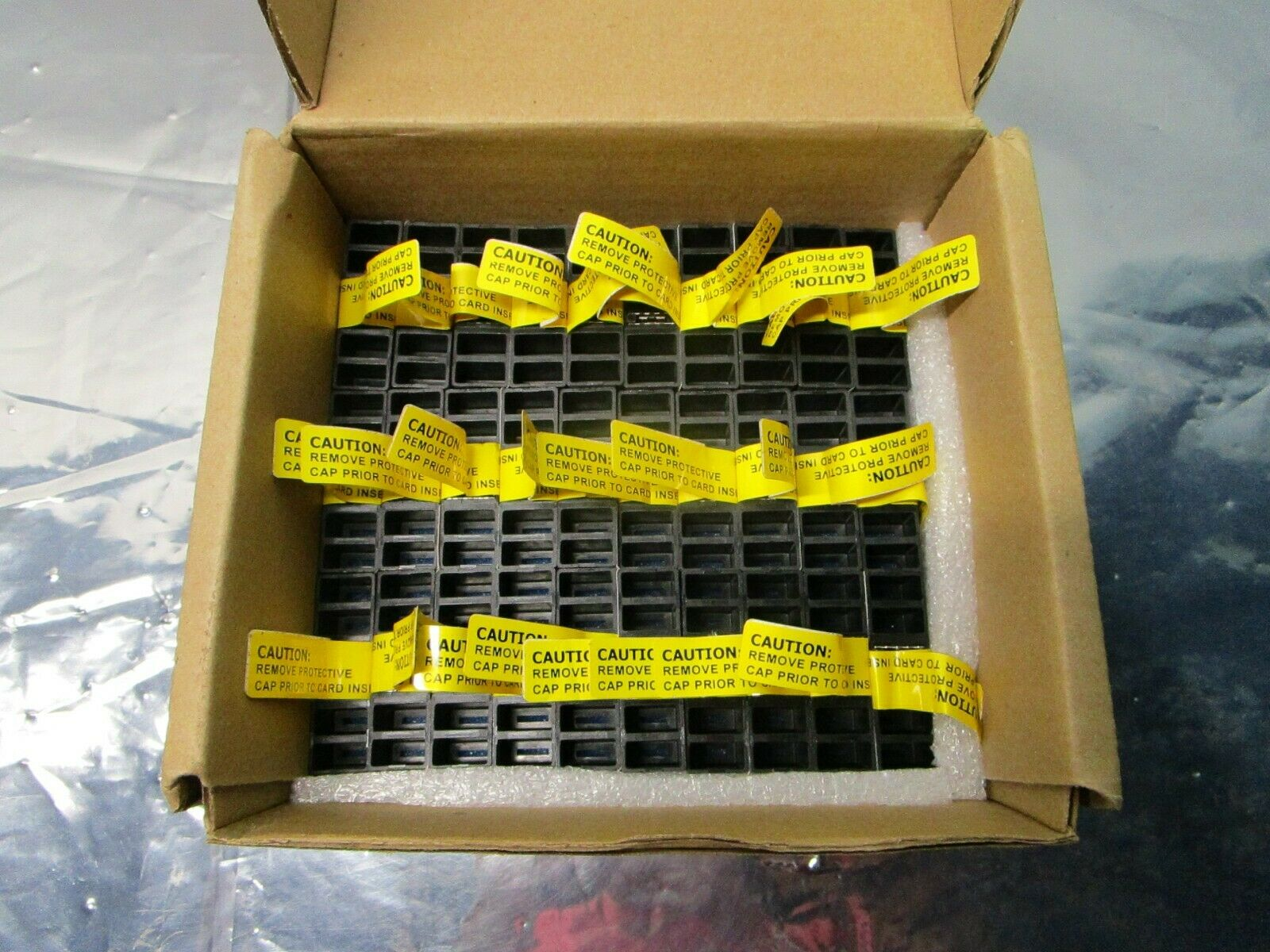 1 Lot of 30 TE connectivity 1926303-1 Heavy Duty Power Connectors Cover, 102514