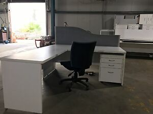 Commercial Quality Desks w/ Returns, Partitions, Pedestals & Chairs Wetherill Park Fairfield Area Preview