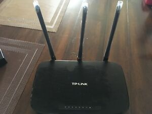 TP Link Router with Adaptor