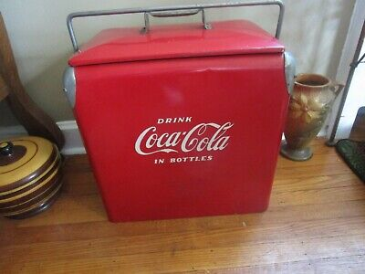 VINTAGE 1950'S ACTION MFG. COCA COLA PICNIC COOLER WITH SANDWICH TRAY BOTTLE OPE
