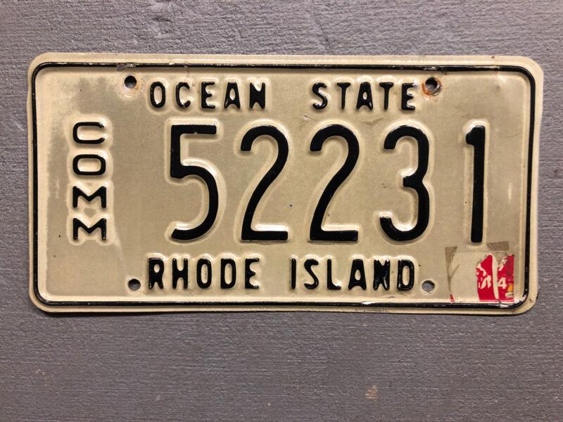 VINTAGE  RHODE ISLAND LICENSE PLATE OCEAN STATE WHITE /BLACK 52231 COMMERCIAL