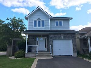 Well maintained family home in east end, 3 beds! 461 Maureen