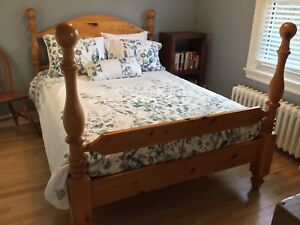 Solid Wood Pine Bed (Full/Double Size)
