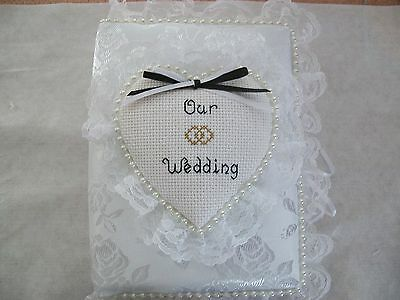 Personalized Wedding Albums (WEDDING / ANNIVERSARY  Personalized White Brocade Pocket Photo Album / BRAG)