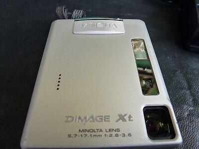Compact Digital Camera Battery Charger (Minolta DiMAGE Xt Compact Digital Camera, Case, Charger Cable,)