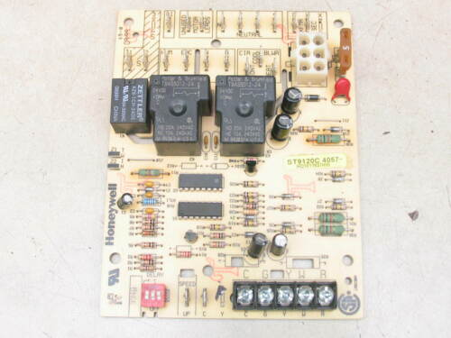 Honeywell ST9120C4057 Furnace Control Circuit Board HQ1011927HW