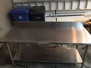 4ft stainless steel table - table acier inoxydable