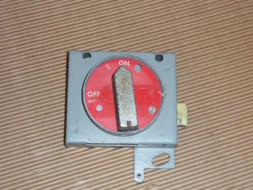 GENERAL ELECTRIC GE 7700 SERIES CIRCUIT BREAKER HANDLE MECH MCC MCCB BUCKET