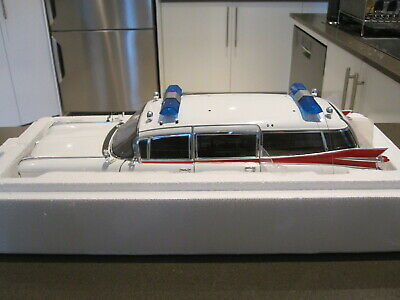 1:18 HOT WHEELS ELITE W1176 GHOSTBUSTERS ECTO-1 CADILLAC HEARSE *NEW* RARE!!!!