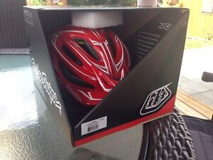 Troy Lee Designs A2 trail bicycle helmet