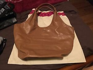 100% Authentic Large Tory Burch Hobo