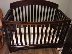 Delta Bentley 4-in-1 Crib - Espresso with Grow With Me Mattress