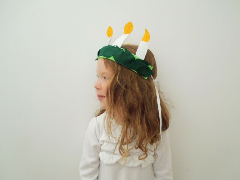 Santa Lucia, Swedish Crown - December 13 costume