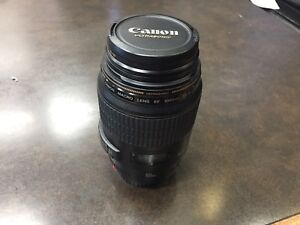 10/10 Canon EF 100mm macro f2.8 USM Lens