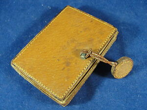 Vintage-Antique-Leather-Mirrored-Make-Up-Compact-Made-In-France