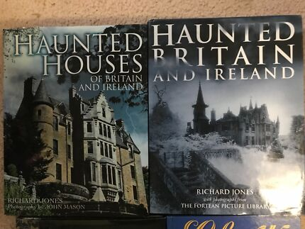 Ghosts and haunted houses books
