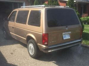 Plymouth dodge voyager mini van