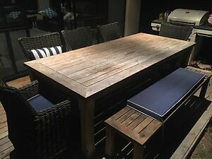 Outdoor Table and chairs Iluka Joondalup Area Preview