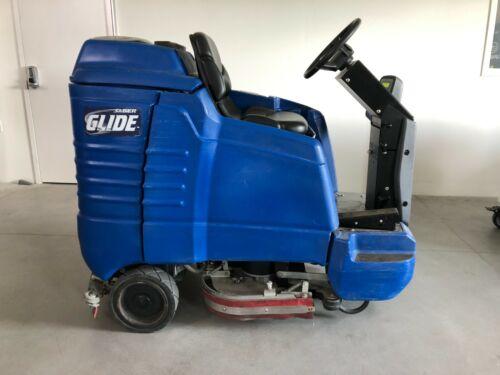 """Windsor Saber Glide 28"""" Ride-on Floor Scrubber"""
