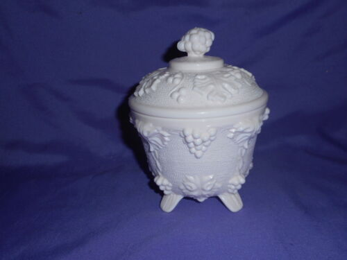 VINTAGE JEANNETTE SHELL PINK MILK GLASS GRAPE VINE LEAF FOOTED CANDY DISH W/ LID