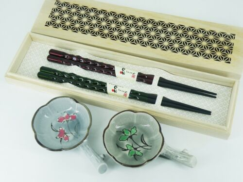 Japanese Chopsticks Natural Wood Chopstick Rest with Small Dish Pair Set
