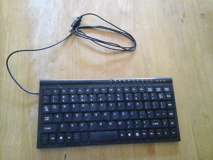 Mini Keyboard with usb connection cord