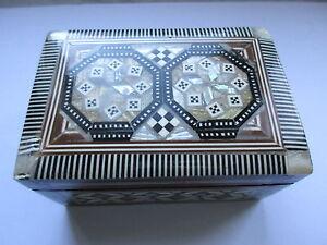 Antikes Holzkästchen-Schmuckkästchen-mit Intarsien-Perlmutt