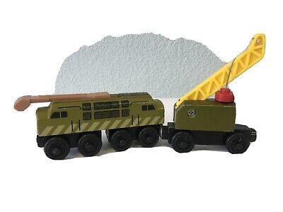 """Diesel 10 & Breakdown car crane "" Thomas & Friends-wooden tracks - Brio"