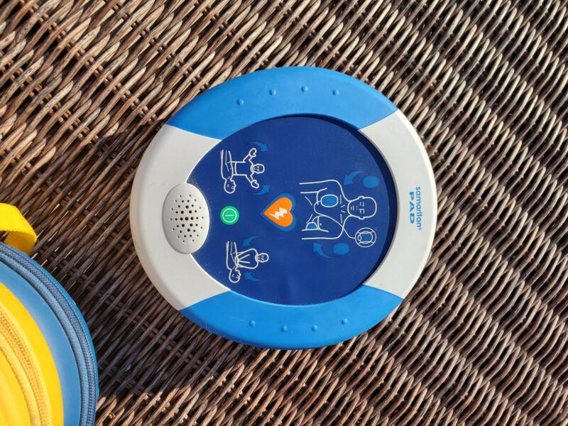 Samaritan PAD defribrillator with current battery till 2023