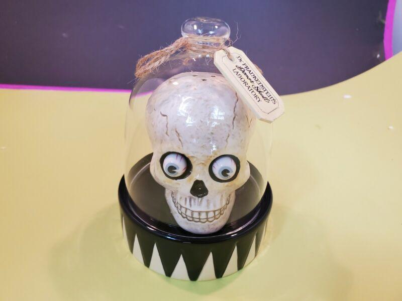 Dept 56 Dr. Frankenstein Donor Skull Apothecary Laboratory Salt Shaker Set