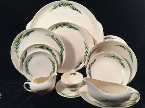 Harmony House FERNDALE 47 Pieces Service for 6 +