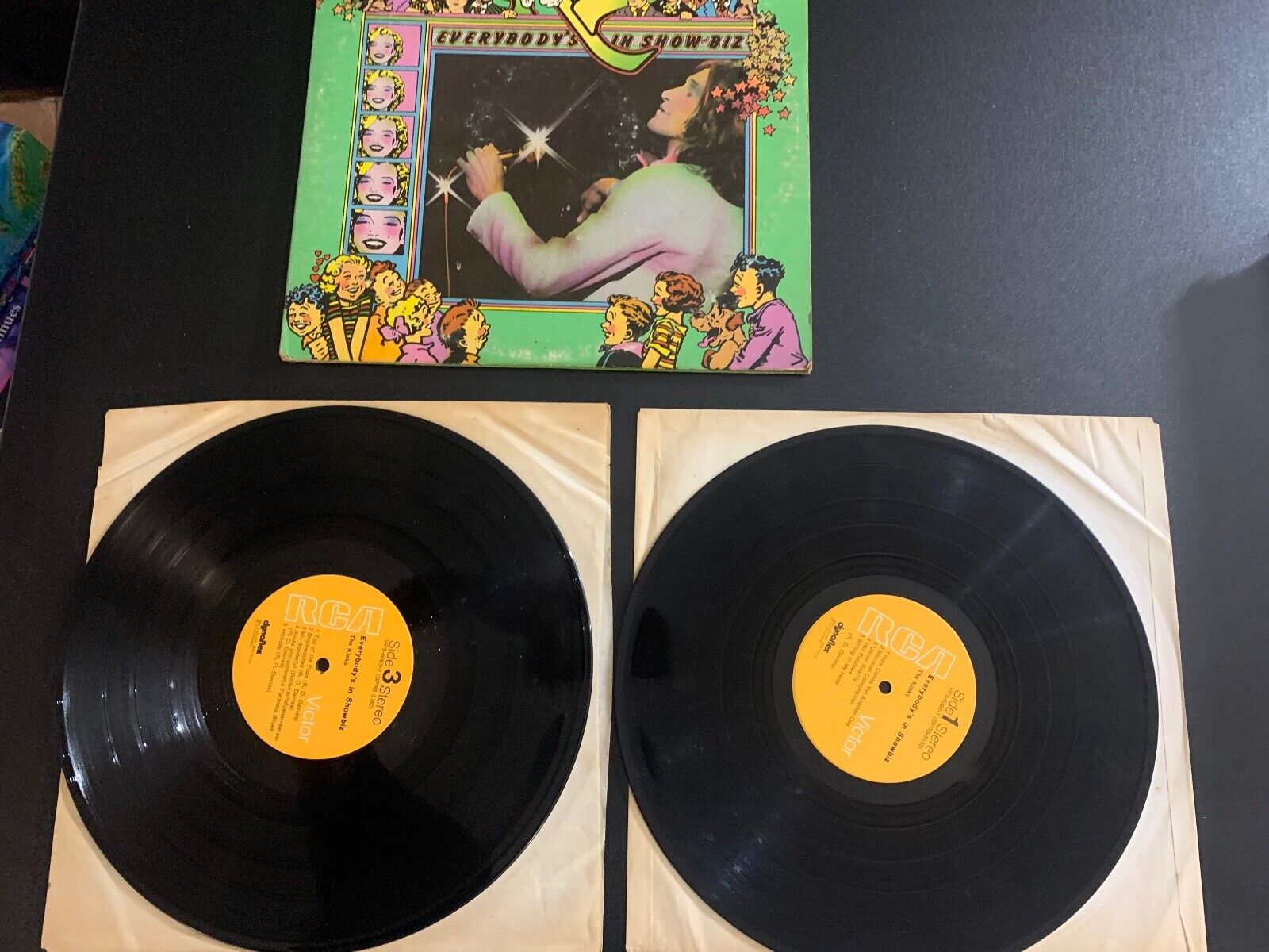 LP RECORD - THE KINKS - EVERYBODY S IN SHOW-BIZ DOUBLE LP RCA VICTOR - $9.99