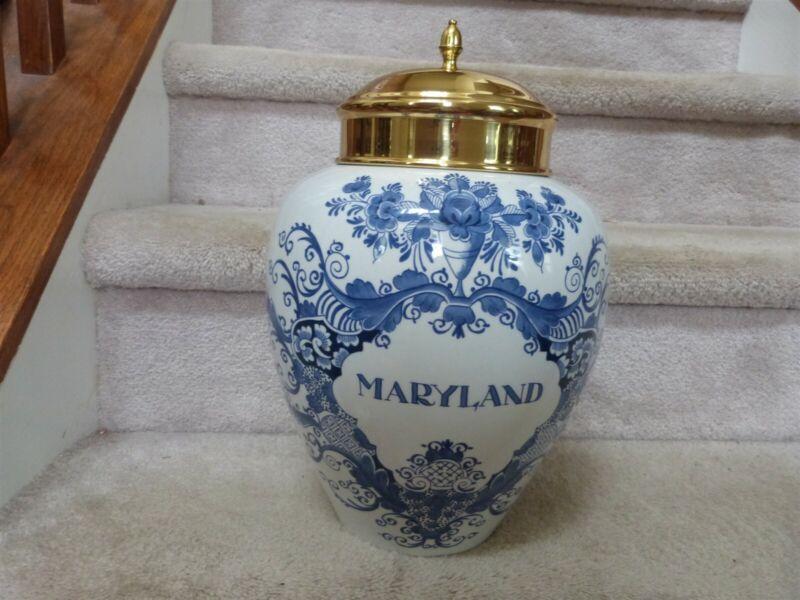 "BIG Williamsburg Royal Goedewaagen Delft Holland Tobacco Jar MARYLAND 14"" w/ Lid"